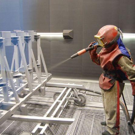 Пескоструйная обработка продлевает срок службы покрытий до шести раз
