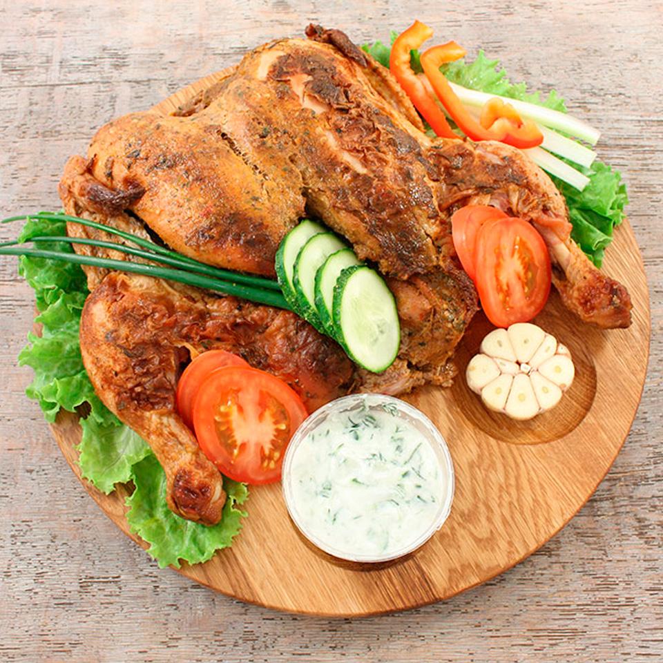 Доска для подачи - сервировка цыпленка табака