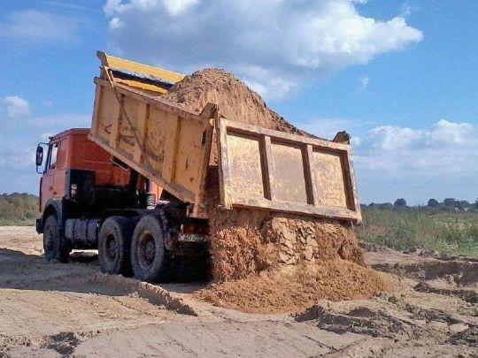 доставка жёлтого песка большегрузами