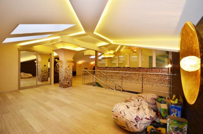 Тканевые натяжные потолки CLIPSO Клипсо и Дескор белые бесшовные дышащие эко потолки, с установкой от производителя ABC-POTOLOK в Санкт-Петербурге и в Ленинградской области