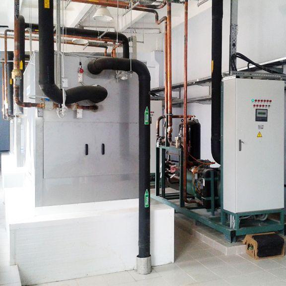 """Пленочный испаритель BUCO холодопроизводительностью 400 кВт, системы """"ледяной воды""""."""