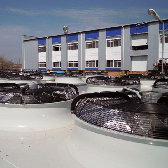 Конденсаторная площадка системы охлаждения воды оборотного контура.