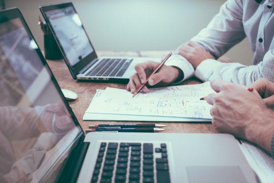 Оказание юридических и консултьтационных услуг