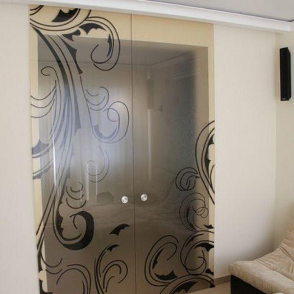 Стеклянные двери с фотопечатью