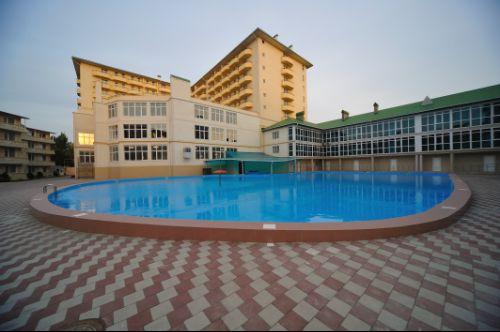 Бетонный бассейн в гостинице
