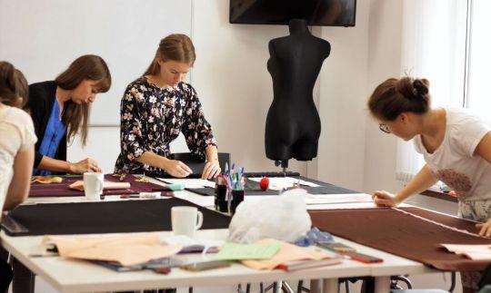 фото курсы шитья