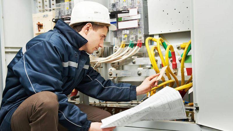 техническое обслуживание электросетей и электрооборудования для организаций
