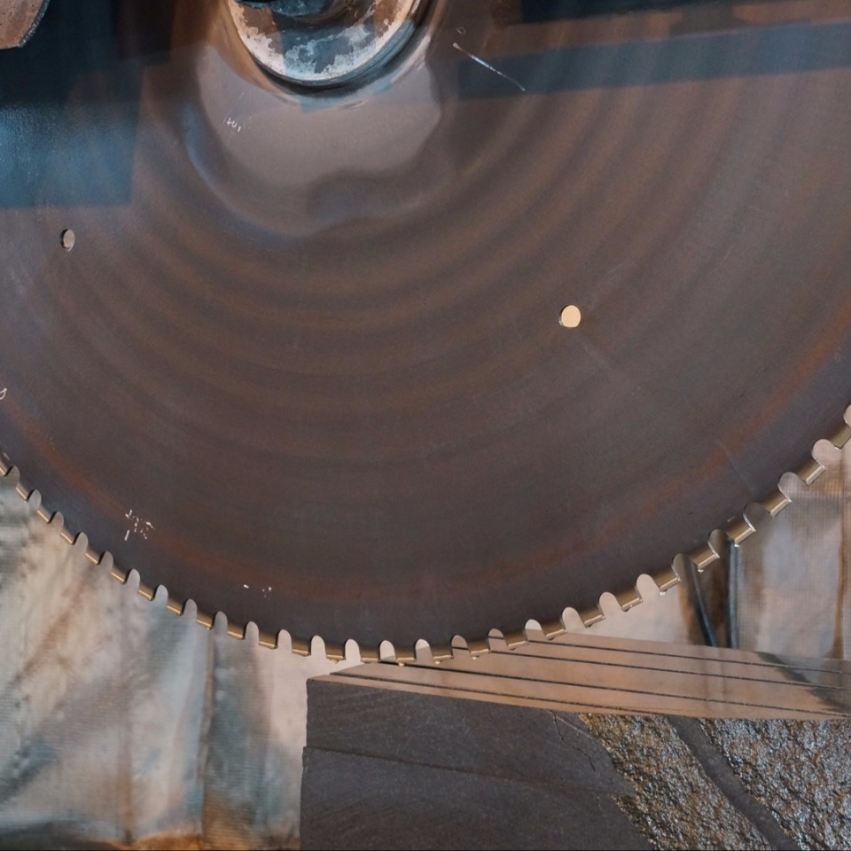 Производство, обработка камня, габро в Карелии