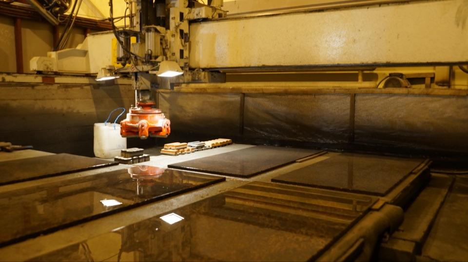 Производство камня, полировка высокого уровня на специальном оборрудовании