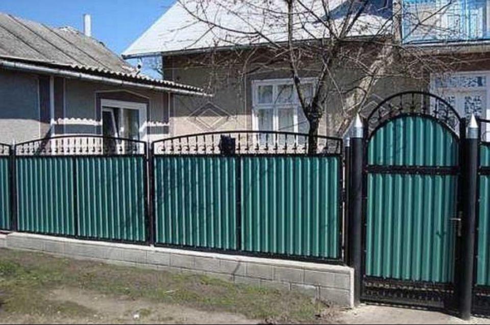 зелёный забор в михайловске