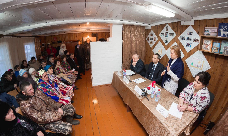 Встреча Губернатора Югры Н.В. Комаровой с жителями деревни